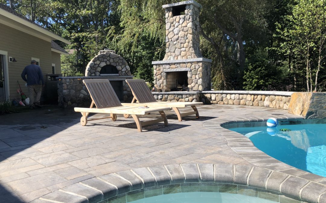 The Benefits of Stonewalls in Landscaping